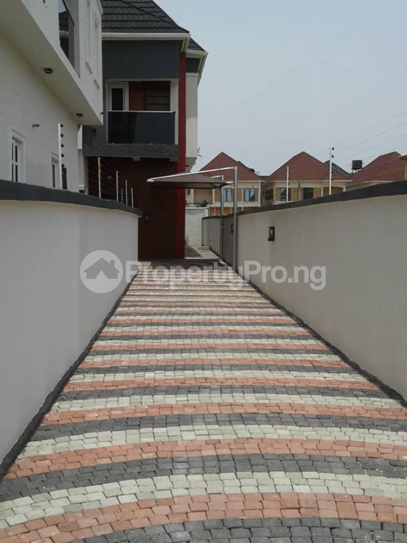 4 bedroom Semi Detached Duplex House for sale Chevron Tollgate Oral Estate Lekki Lagos - 17