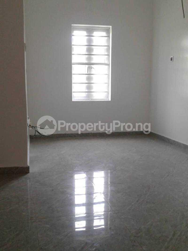 4 bedroom Semi Detached Duplex House for sale Chevron Tollgate Oral Estate Lekki Lagos - 7