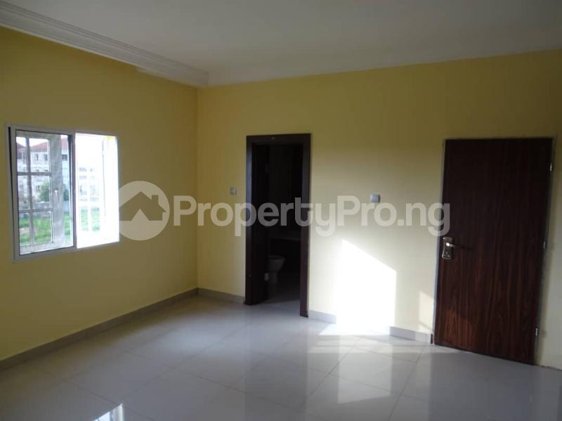 3 bedroom Blocks of Flats House for sale Durumi2 district by America international school Durumi Abuja - 15
