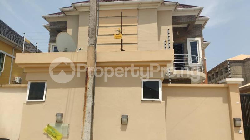 4 bedroom Semi Detached Duplex House for rent WHITESANDS ESTATE Ologolo Lekki Lagos - 2