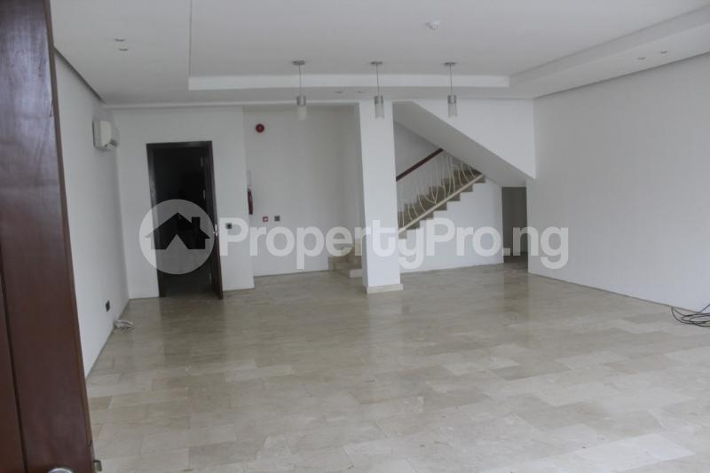 4 bedroom Shared Apartment Flat / Apartment for rent . Banana Island Ikoyi Lagos - 3