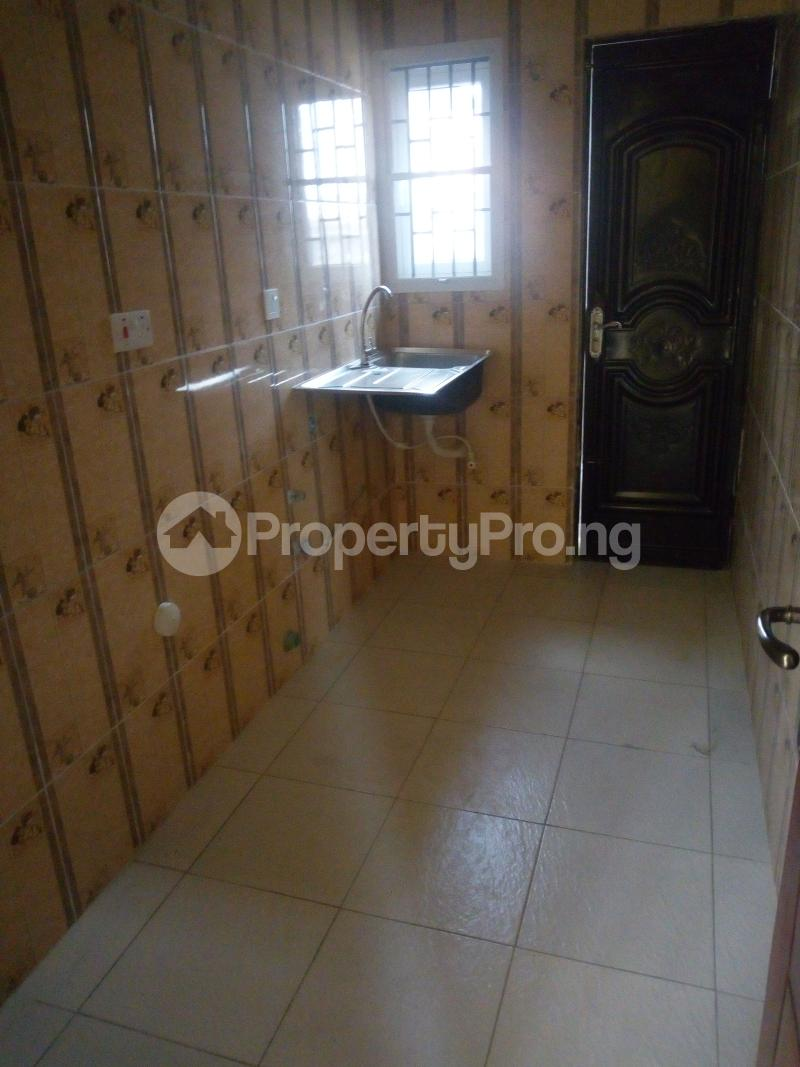 2 bedroom Flat / Apartment for rent Pedro road  (famous bus stop axis ) Palmgroove Shomolu Lagos - 3