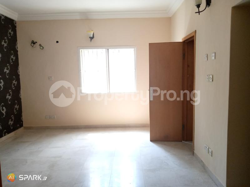 3 bedroom Blocks of Flats House for rent Second round about Lekki Phase 1 Lekki Lagos - 4