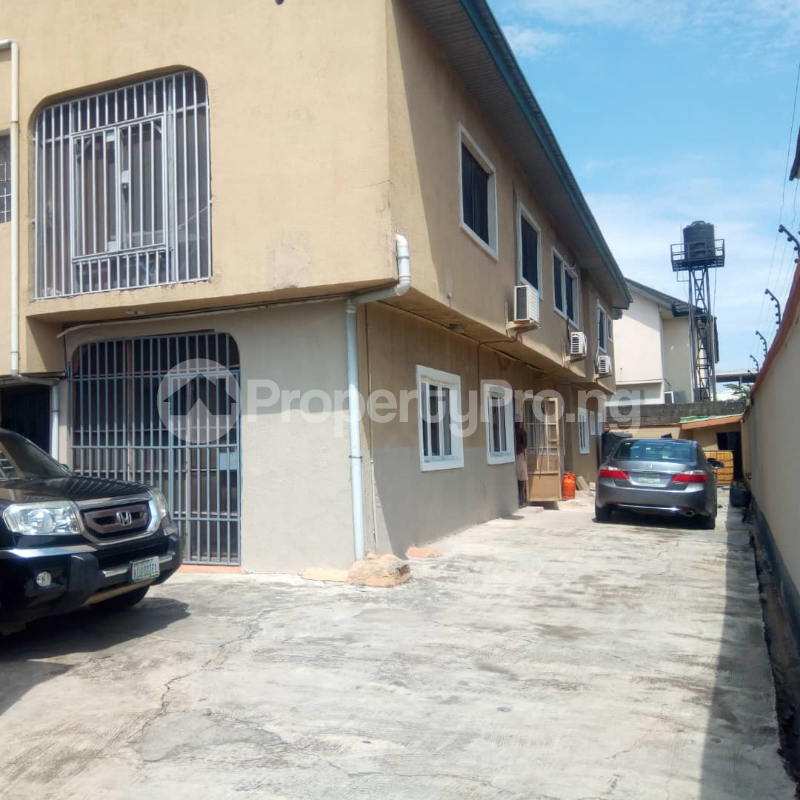 3 bedroom Flat / Apartment for rent Off admiralty way, Lekki Phase 1 Lekki Lagos - 0