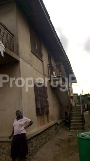 3 bedroom Flat / Apartment for sale Agugu oremeji behind mufu lanihun college of education. The House is after omoladun nursery and primary school. 3bed up 3bed downstairs. 8Million asking. Ibadan Oyo - 2