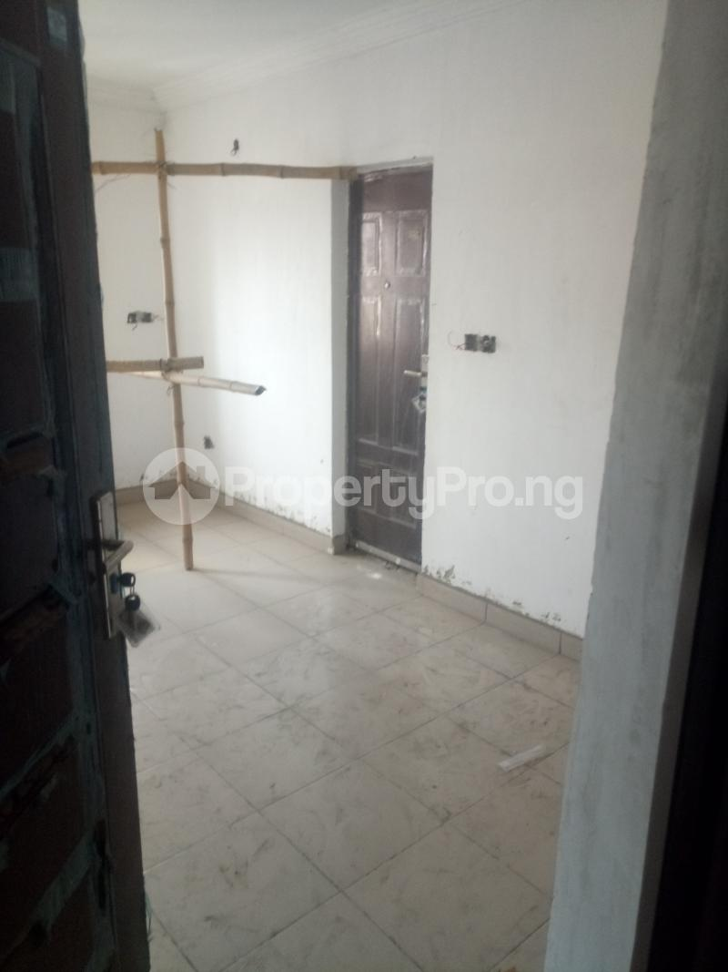 3 bedroom Blocks of Flats House for rent off Ishaga road Ojuelegba Surulere Lagos - 6