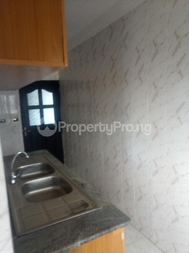 3 bedroom Blocks of Flats House for rent off Ishaga road Ojuelegba Surulere Lagos - 12