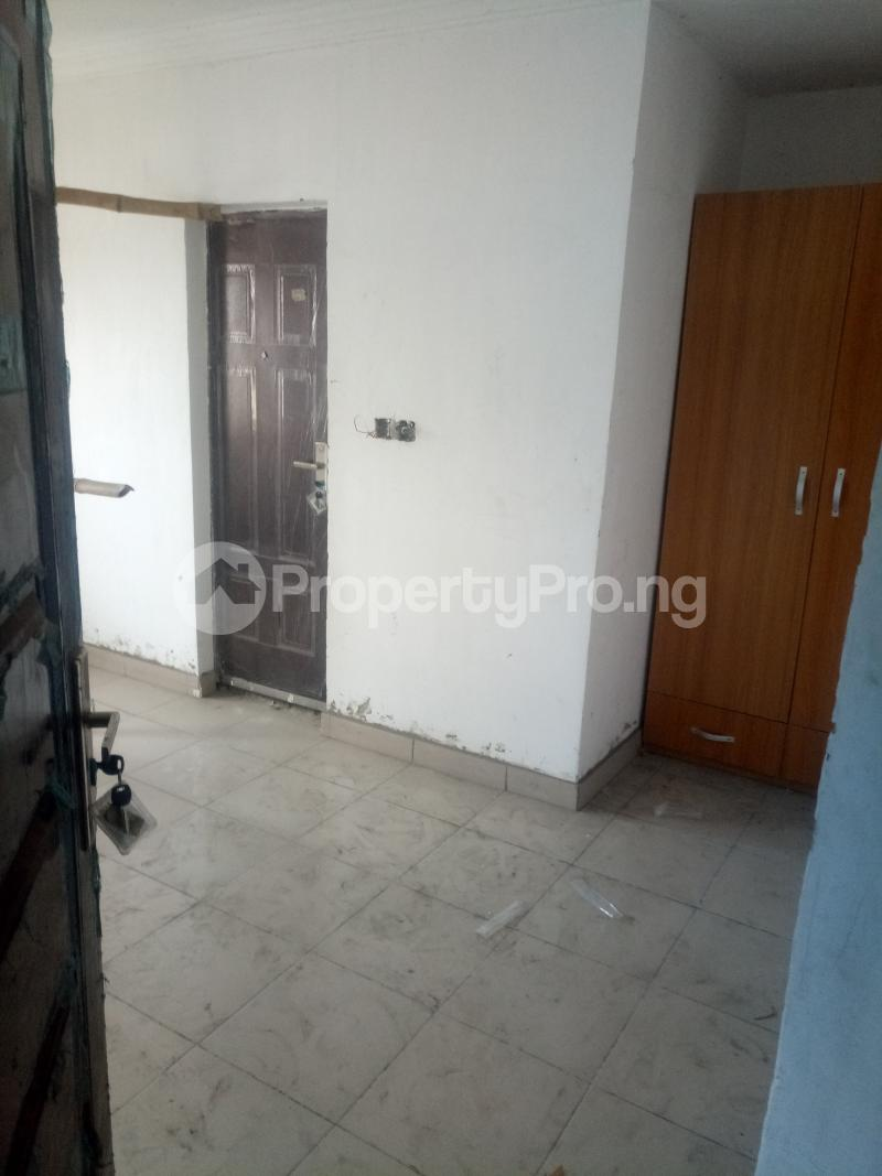 3 bedroom Blocks of Flats House for rent off Ishaga road Ojuelegba Surulere Lagos - 5