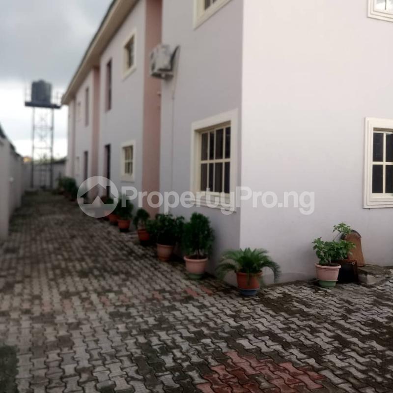 3 bedroom Flat / Apartment for rent Oluwadare  Fola Agoro Yaba Lagos - 0