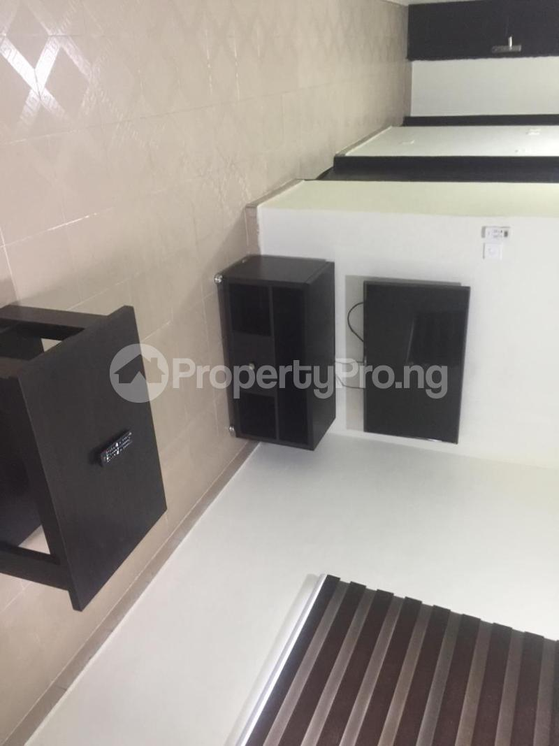 1 bedroom mini flat  Blocks of Flats House for shortlet thomas estate Thomas estate Ajah Lagos - 11
