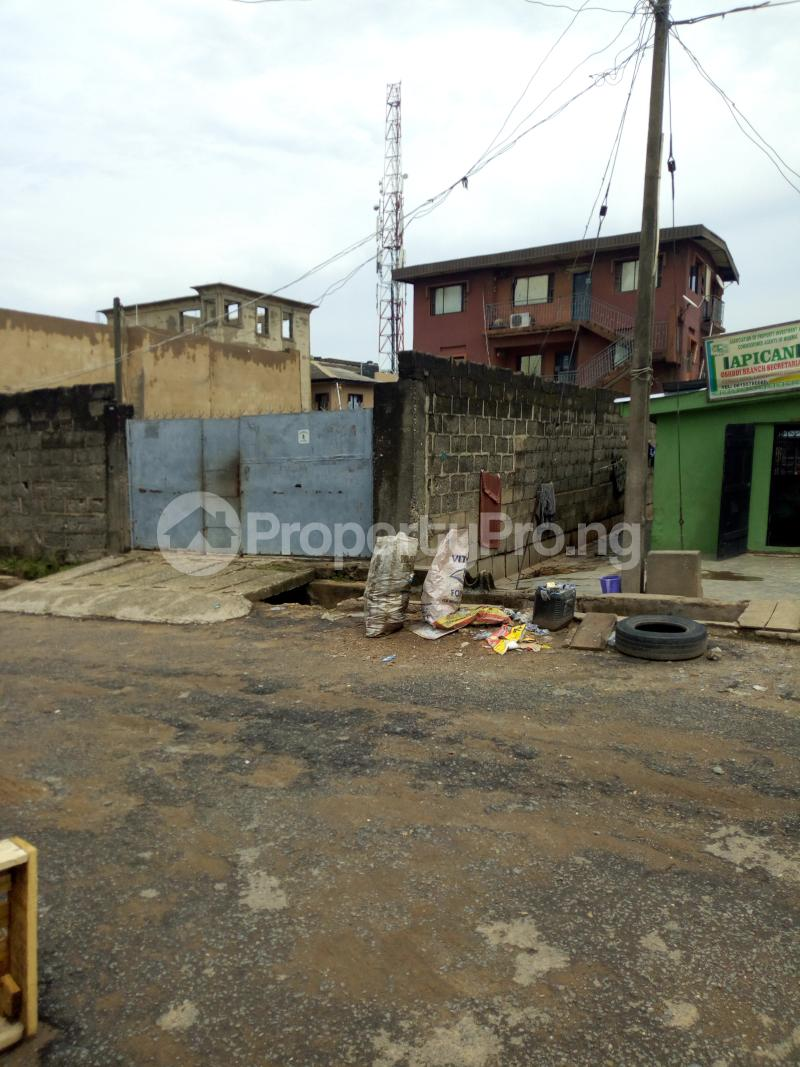 Blocks of Flats House for sale Oloyede street Arowojobe Oshodi Lagos - 2
