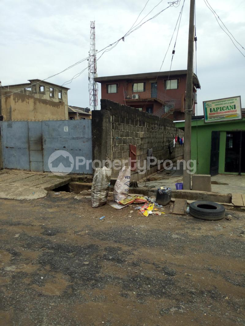 Blocks of Flats House for sale Oloyede street Arowojobe Oshodi Lagos - 3
