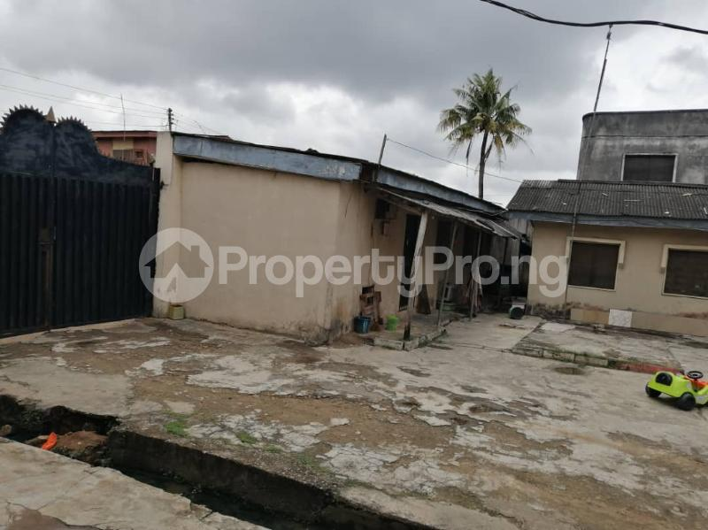 3 bedroom Flat / Apartment for sale Ago palace way Isolo Lagos - 3