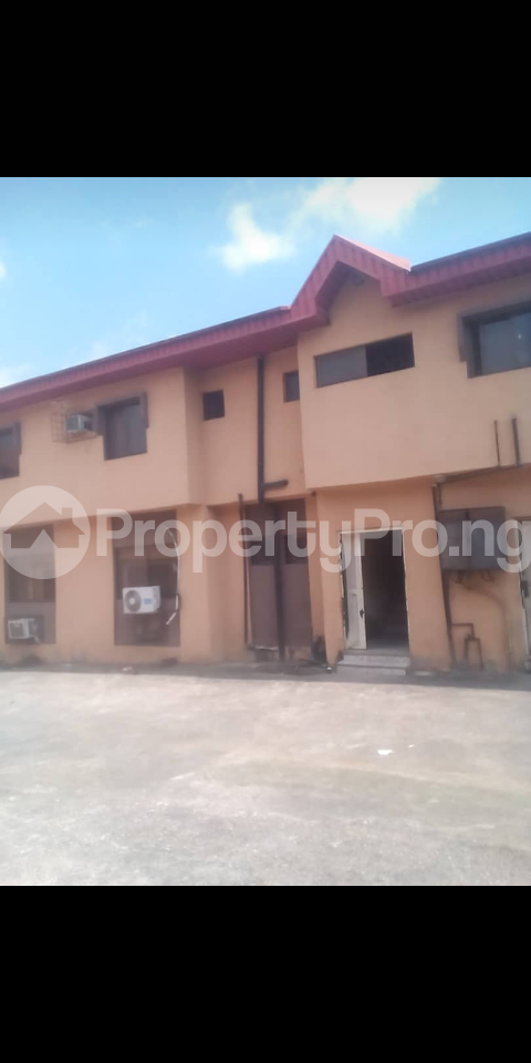 3 bedroom Blocks of Flats House for sale Alhaji Agbeke street, Ago palace Okota Lagos - 2