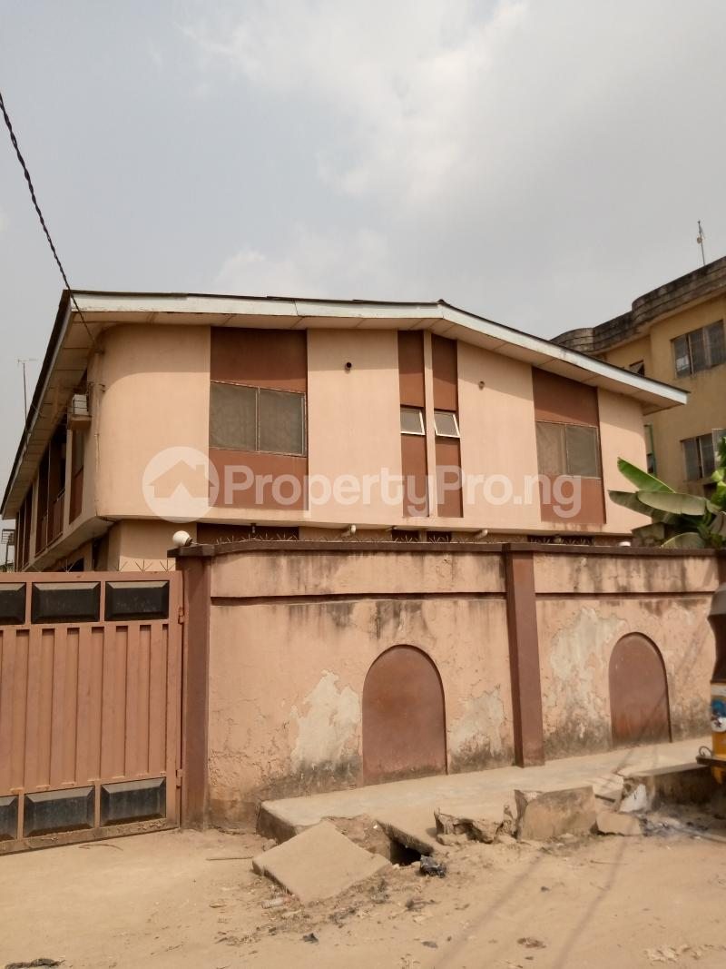 3 bedroom Flat / Apartment for sale Ago palace way Isolo Lagos - 5