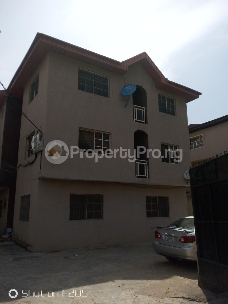 3 bedroom House for rent Canal Estate, okota, isolo Isolo Lagos - 0
