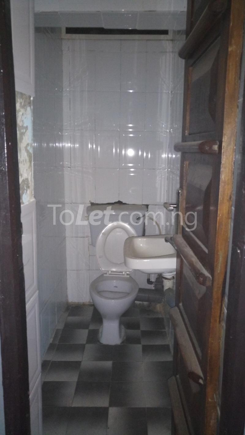 3 bedroom House for sale Accessible via Obanikoro  Phase 1 Gbagada Lagos - 4