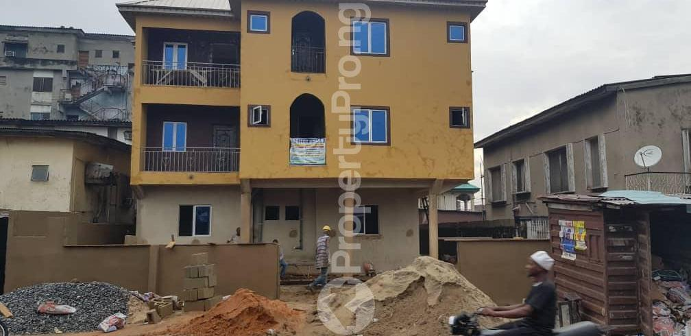 1 bedroom mini flat  Mini flat Flat / Apartment for rent off Nathan Ojuelegba Surulere Lagos - 3