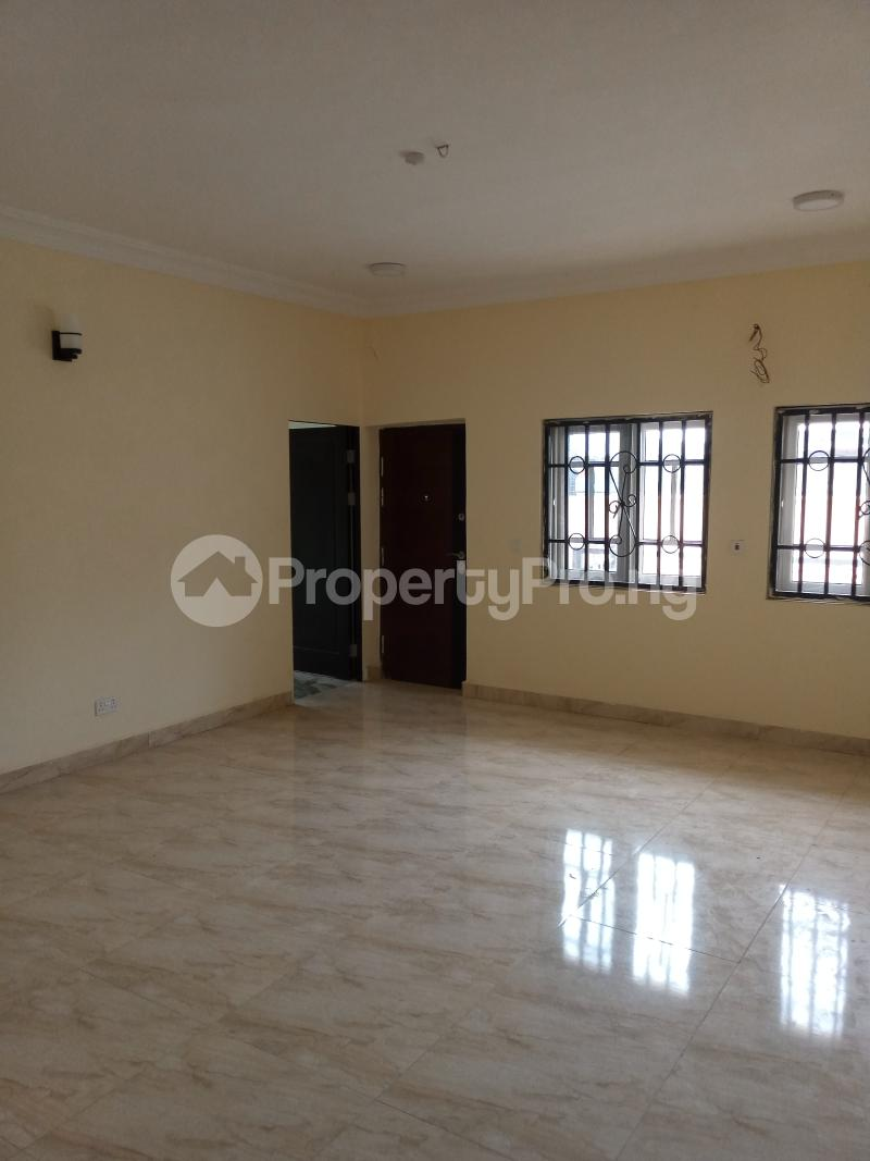 2 bedroom Mini flat Flat / Apartment for rent After  ABC  Cargo before Aduvie school Katampe Main Abuja - 2