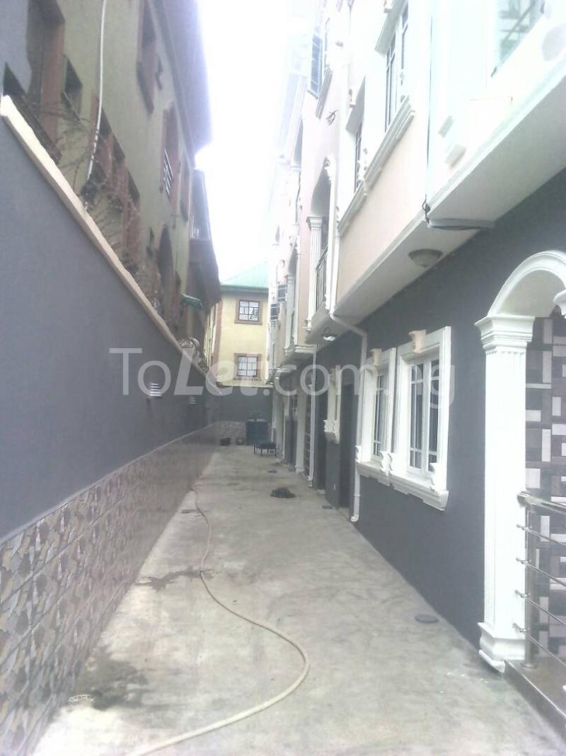 2 bedroom Flat / Apartment for rent ishaga road Itire Surulere Lagos - 2
