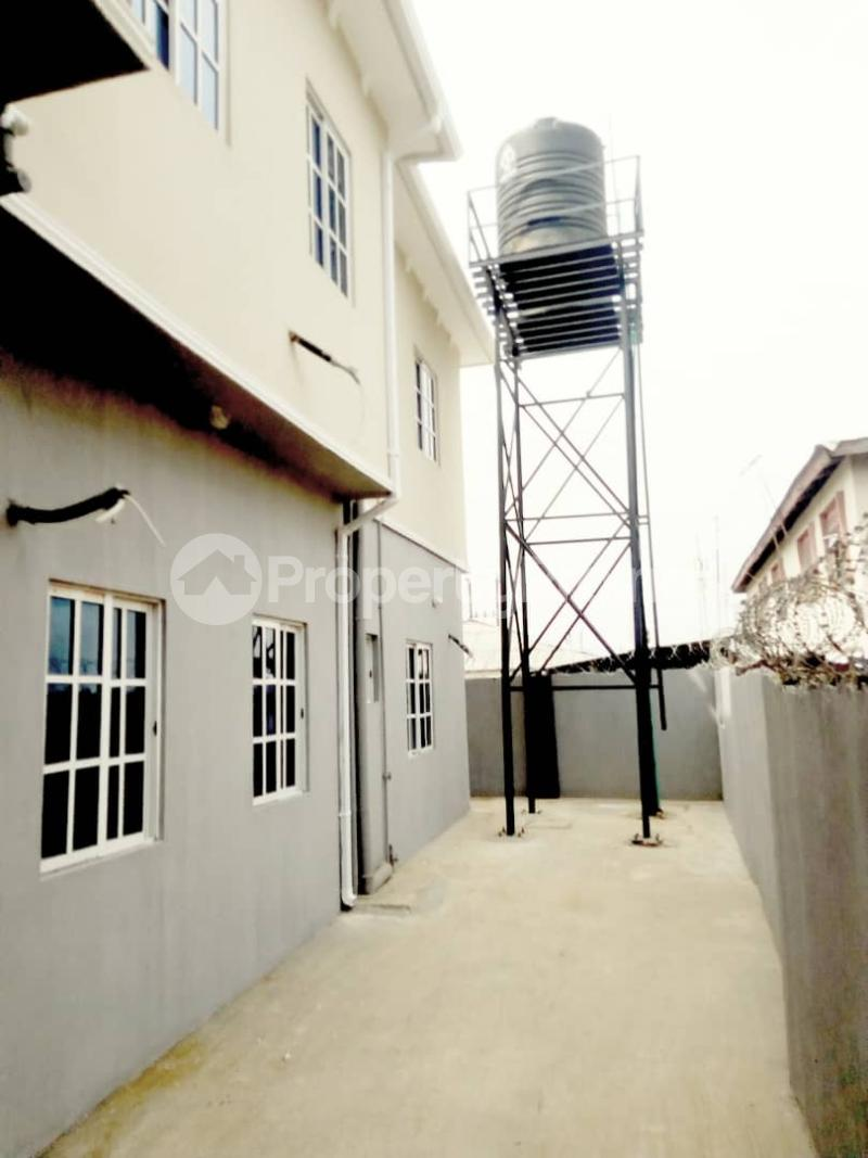 2 bedroom Blocks of Flats House for rent Ogba off college road via Aguda. Aguda(Ogba) Ogba Lagos - 1