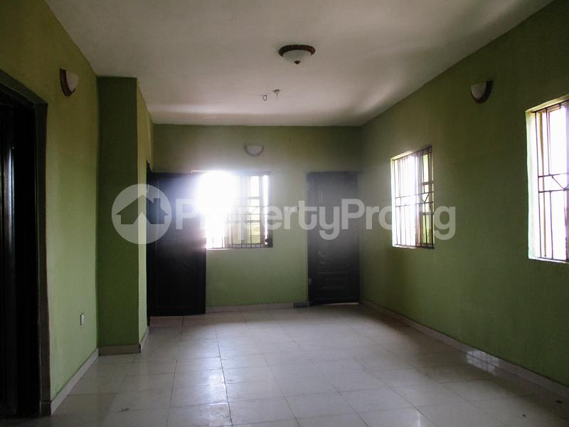 3 bedroom Flat / Apartment for rent Iyanera ILOGBO Road - Alaba International Road Ajangbadi Ojo Lagos - 4
