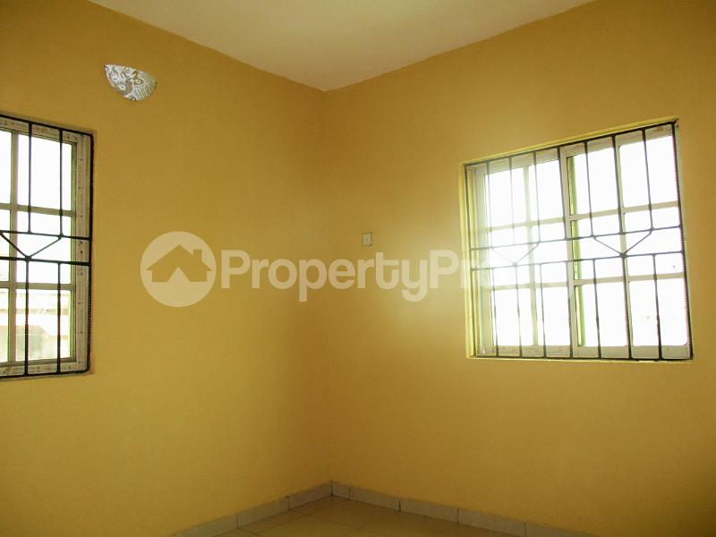 3 bedroom Flat / Apartment for rent Iyanera ILOGBO Road - Alaba International Road Ajangbadi Ojo Lagos - 6