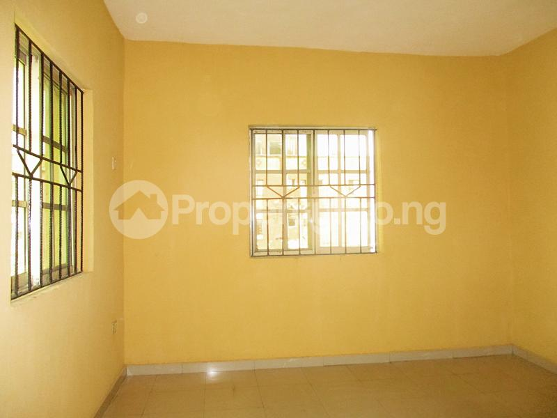 3 bedroom Flat / Apartment for rent Iyanera ILOGBO Road - Alaba International Road Ajangbadi Ojo Lagos - 7