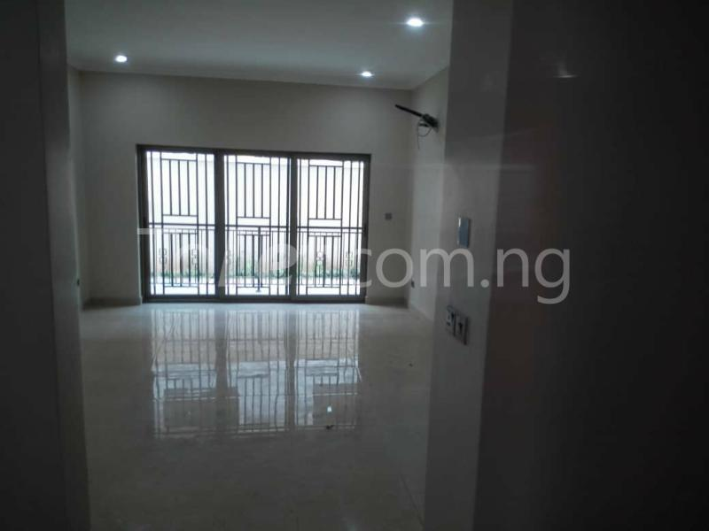 3 bedroom Flat / Apartment for rent - Ologolo Lekki Lagos - 5