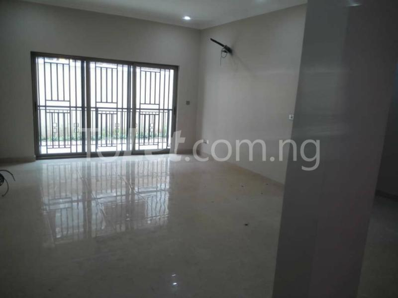 3 bedroom Flat / Apartment for rent - Ologolo Lekki Lagos - 4
