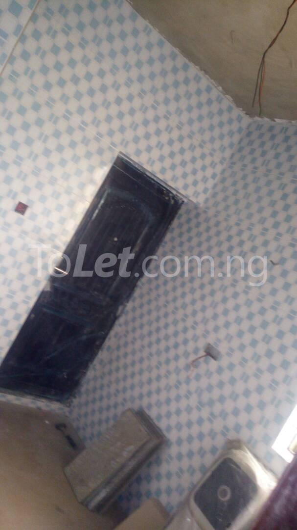 3 bedroom Flat / Apartment for sale Iponri Iponri Surulere Lagos - 14