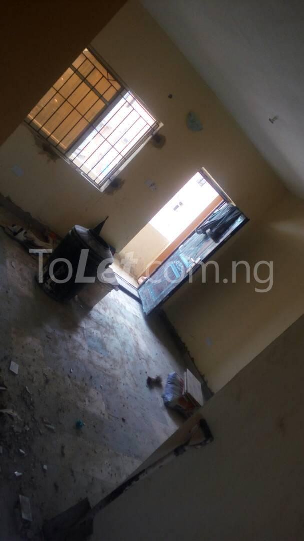3 bedroom Flat / Apartment for sale Iponri Iponri Surulere Lagos - 2