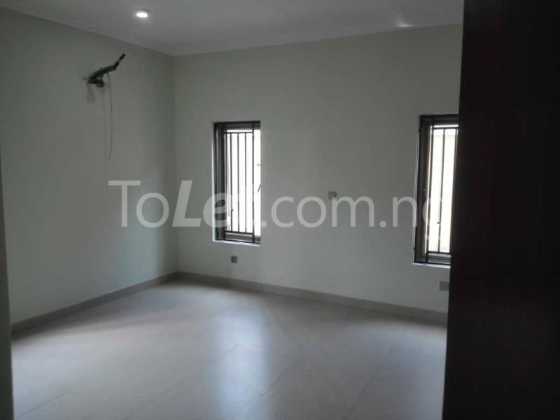 3 bedroom Flat / Apartment for rent - Ologolo Lekki Lagos - 2