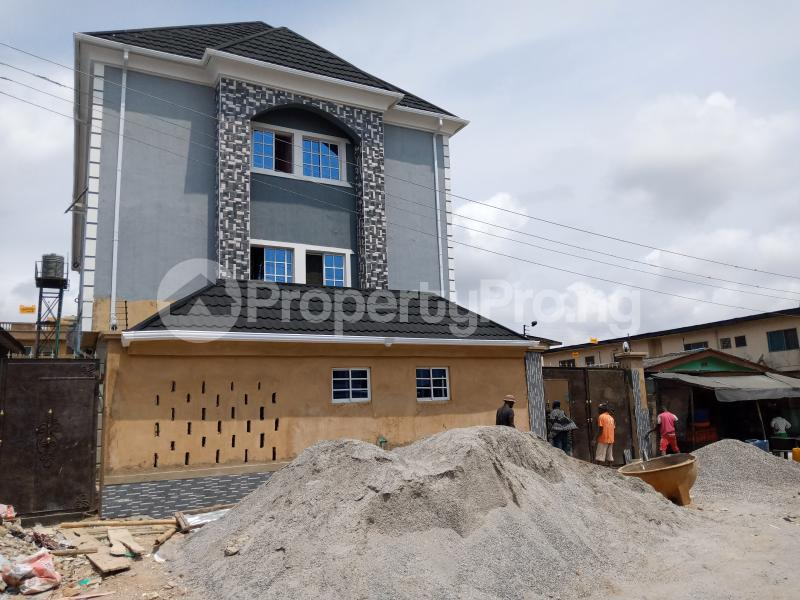 2 bedroom Flat / Apartment for rent   Ago palace Okota Lagos - 2