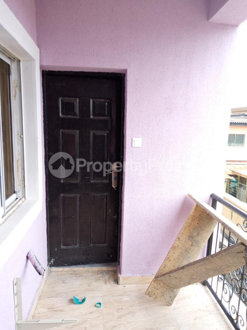 2 bedroom Flat / Apartment for rent   Ago palace Okota Lagos - 9