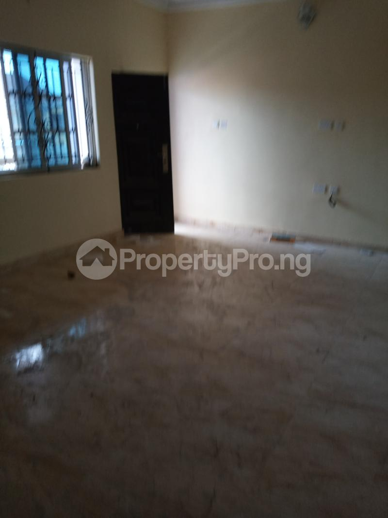 2 bedroom Flat / Apartment for rent   Ago palace Okota Lagos - 3