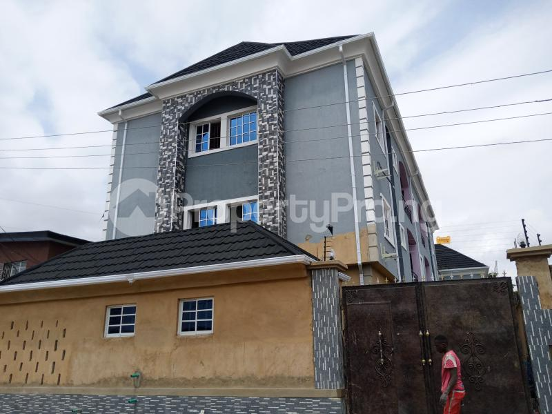 2 bedroom Flat / Apartment for rent   Ago palace Okota Lagos - 5