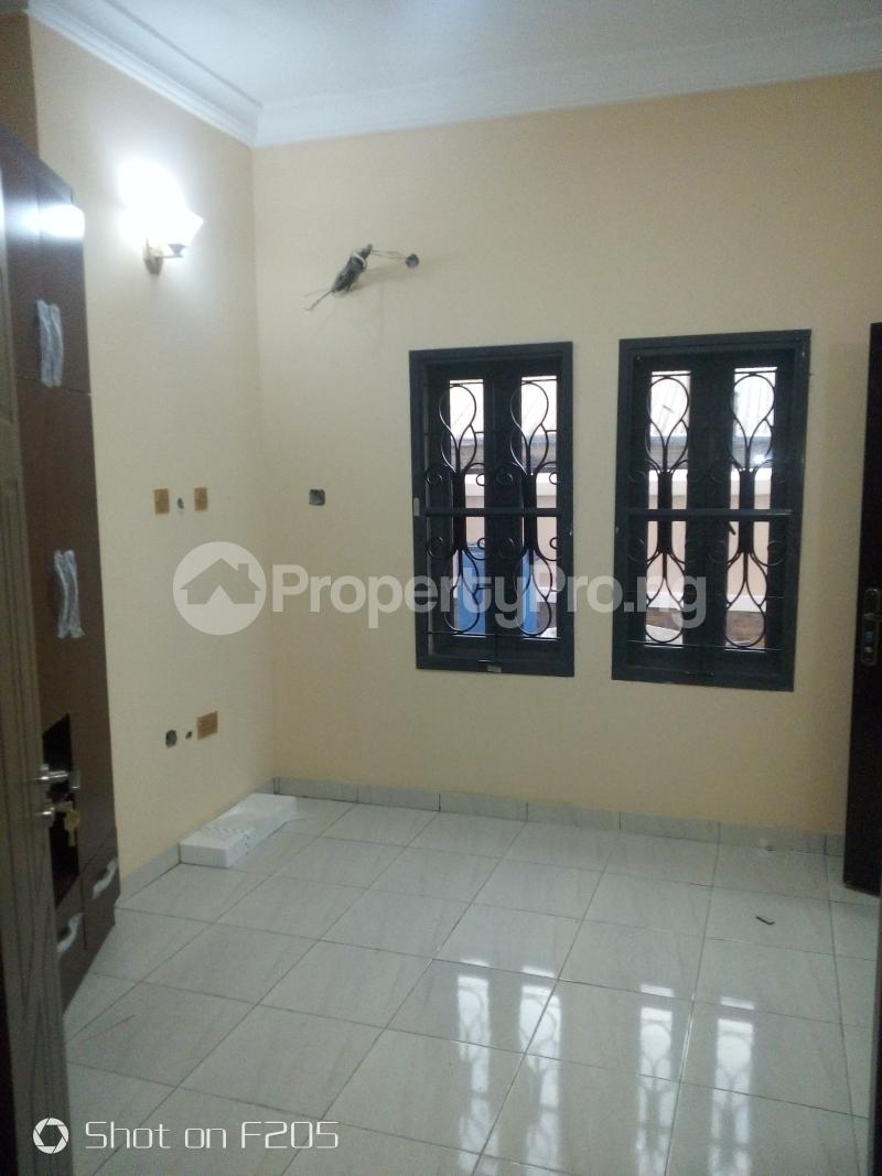 3 bedroom Flat / Apartment for rent Tarred road Isolo Lagos - 5