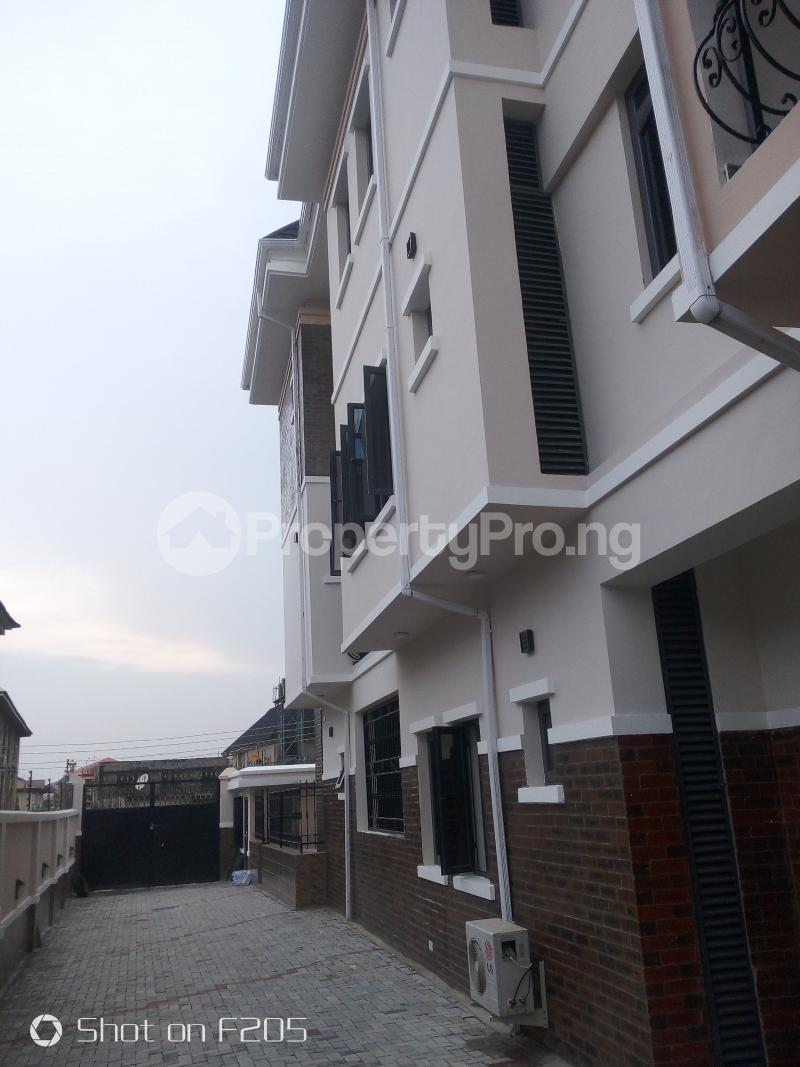 3 bedroom Flat / Apartment for rent Tarred road Isolo Lagos - 6