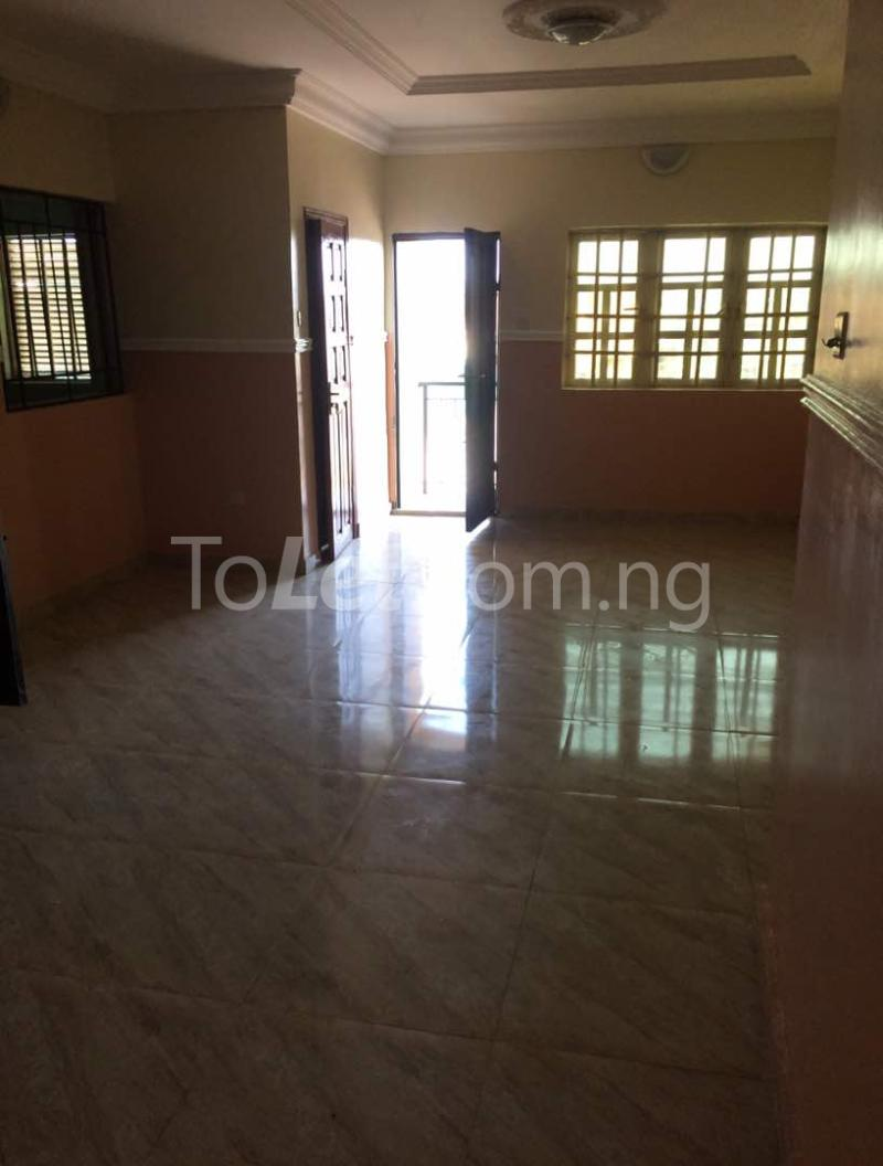 3 bedroom Flat / Apartment for rent Akoka Akoka Yaba Lagos - 4