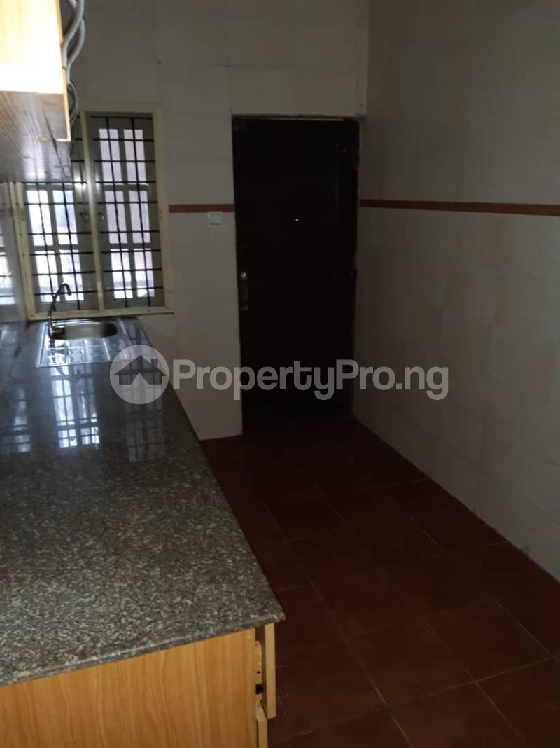 3 bedroom Flat / Apartment for rent surulere  Adelabu Surulere Lagos - 2