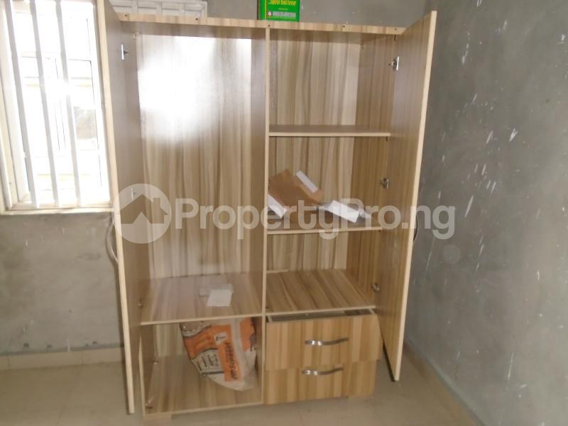 3 bedroom Blocks of Flats House for rent secure close at mangoro Mangoro Ikeja Lagos - 21