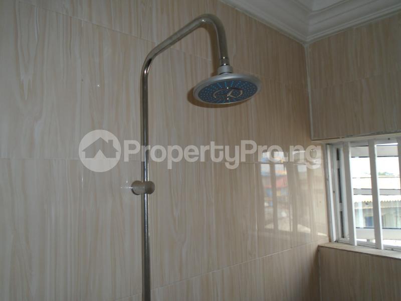 3 bedroom Blocks of Flats House for rent secure close at mangoro Mangoro Ikeja Lagos - 17