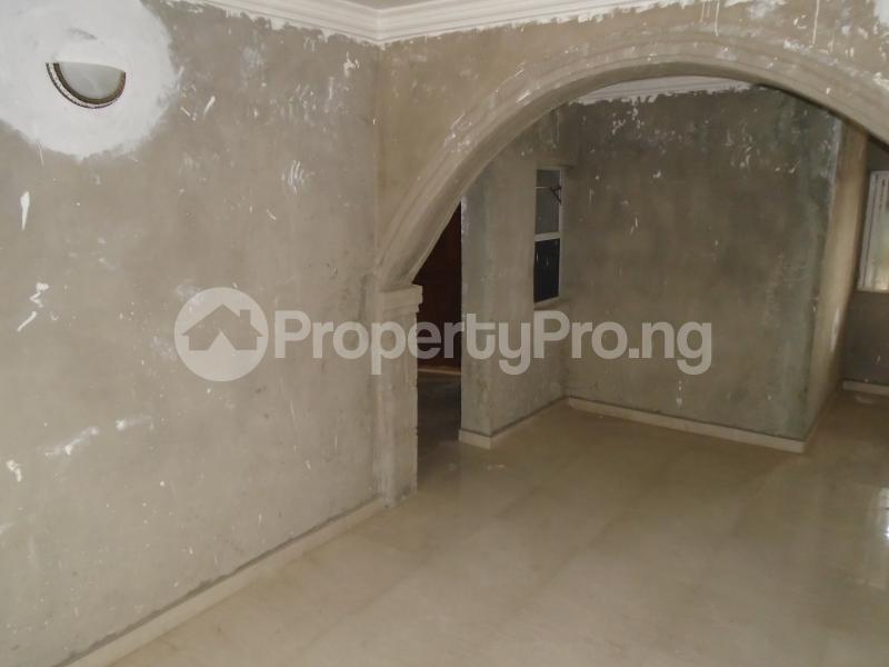 3 bedroom Blocks of Flats House for rent secure close at mangoro Mangoro Ikeja Lagos - 4