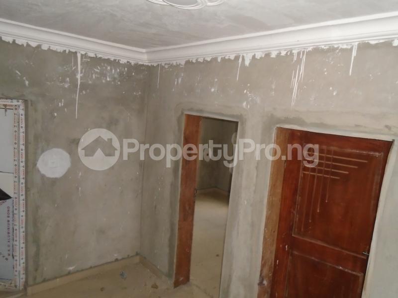 3 bedroom Blocks of Flats House for rent secure close at mangoro Mangoro Ikeja Lagos - 10