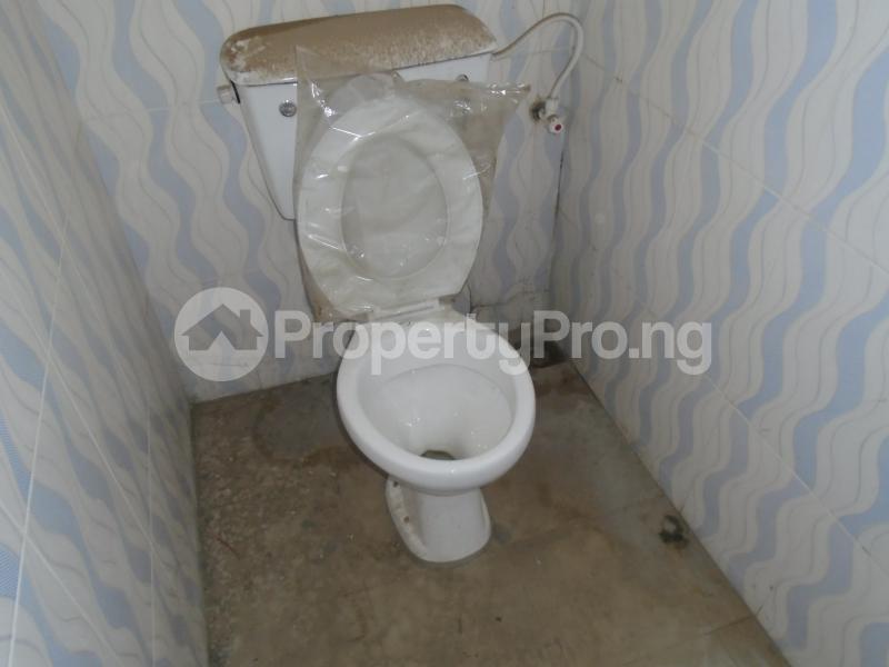 3 bedroom Blocks of Flats House for rent secure close at mangoro Mangoro Ikeja Lagos - 11