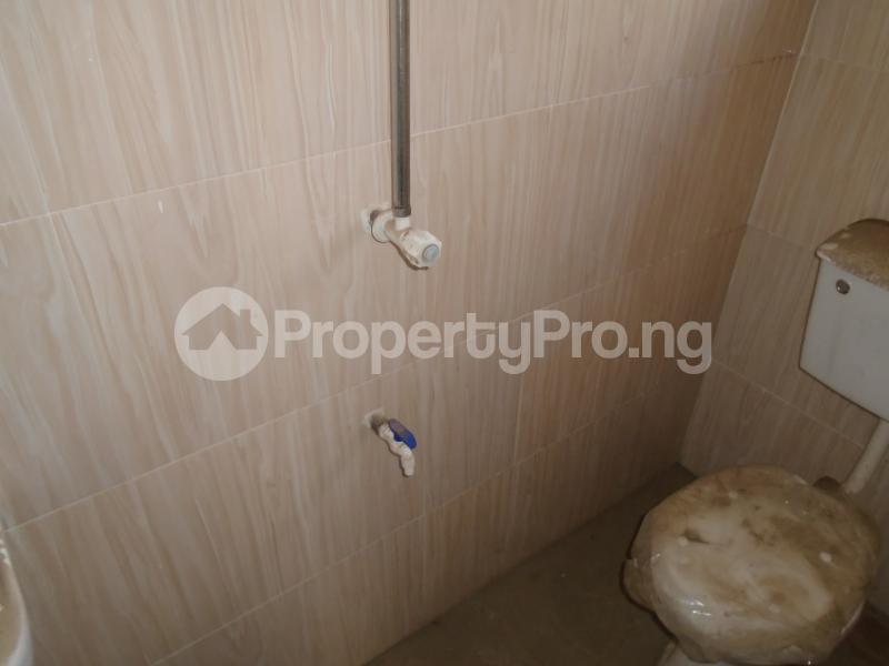 3 bedroom Blocks of Flats House for rent secure close at mangoro Mangoro Ikeja Lagos - 18