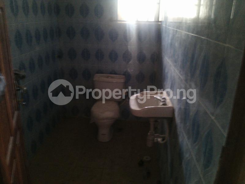 5 bedroom Detached Bungalow House for sale ERUWE LEADWAY JUNCTION Ikorodu Ikorodu Lagos - 8
