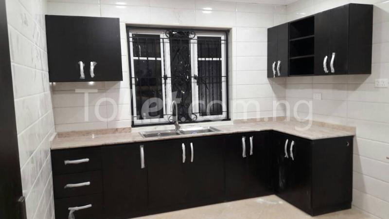 6 bedroom House for sale Journalist estate,, along Lagos-Ibadan expressway  Arepo Arepo Ogun - 0