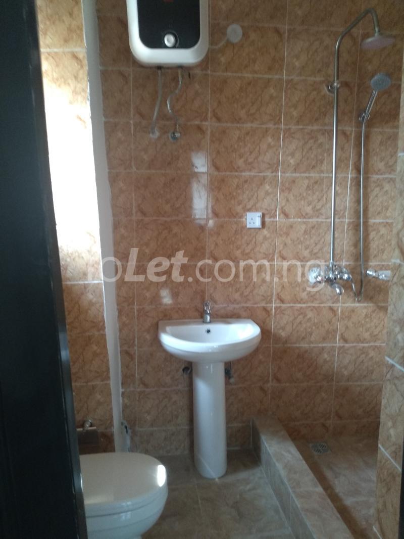 3 bedroom Flat / Apartment for sale Sabo Sabo Yaba Lagos - 9